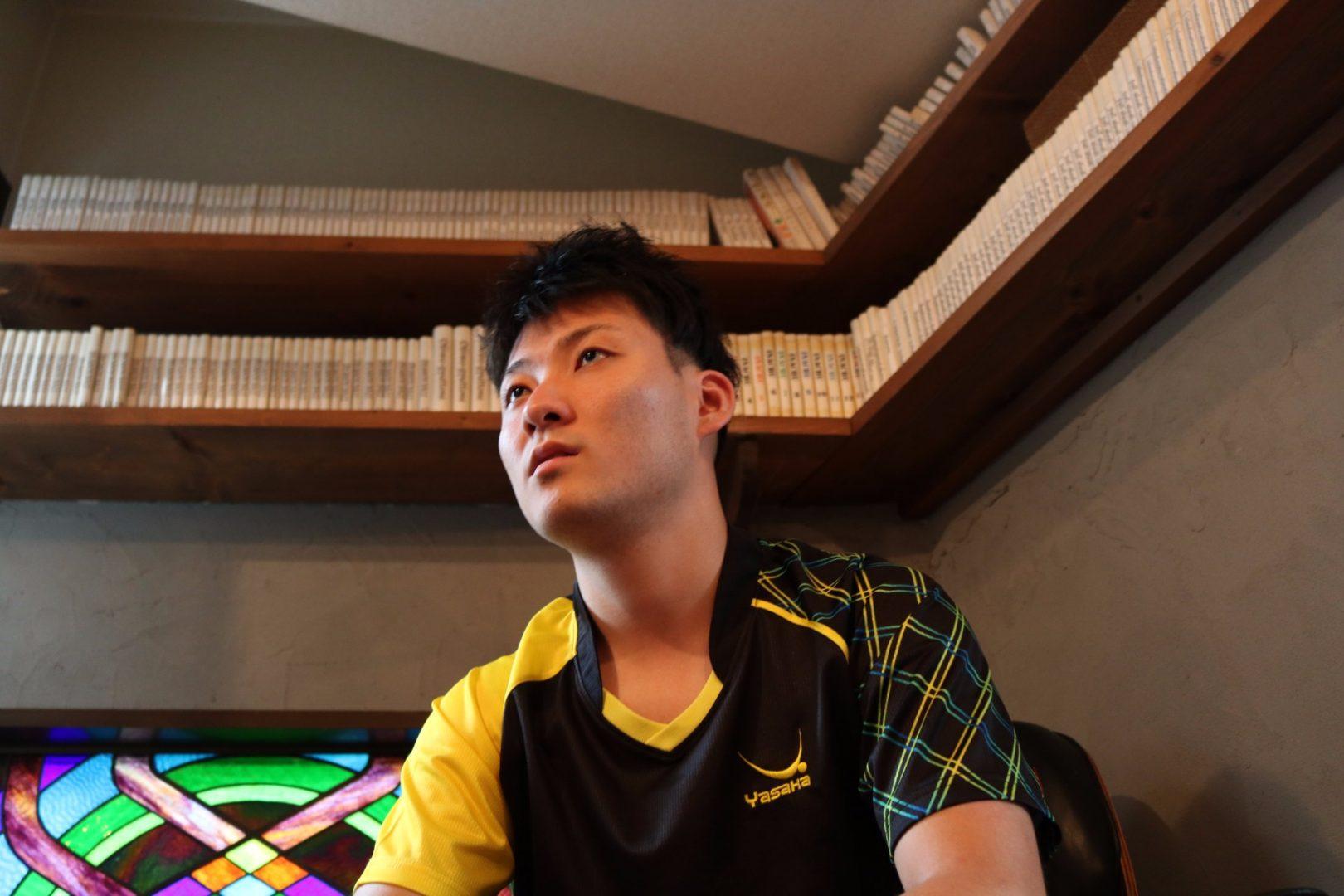 「牧師」か「卓球選手」か。 独創的なカットマン英田理志のキャリアを変えた塩野の一言とは?【前編】