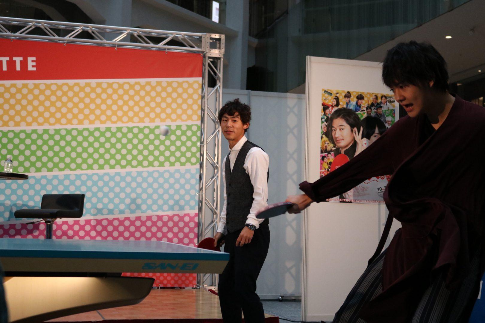 丸の内に3000人が集結 俳優・佐野勇斗が「卓球にハマった」と告白