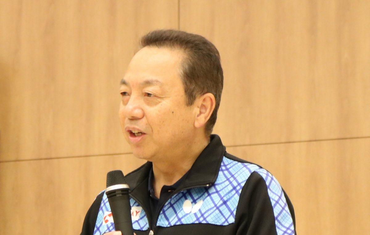 卓球・前代表監督の村上氏が大阪の病院患者に熱血指導
