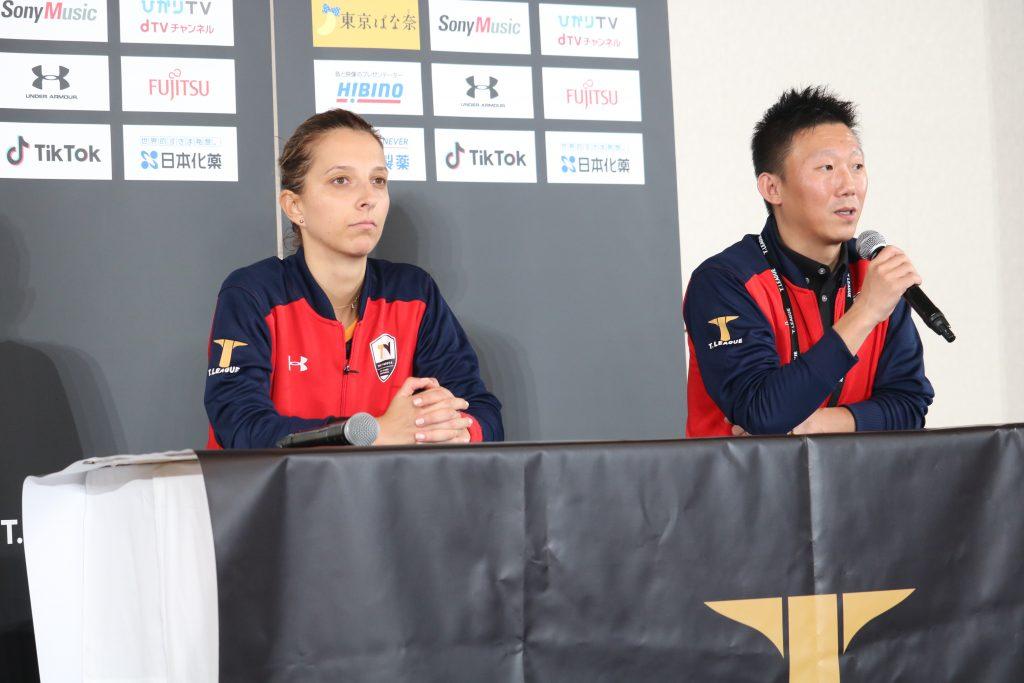 サマラ(TOP名古屋・左)、新井監督