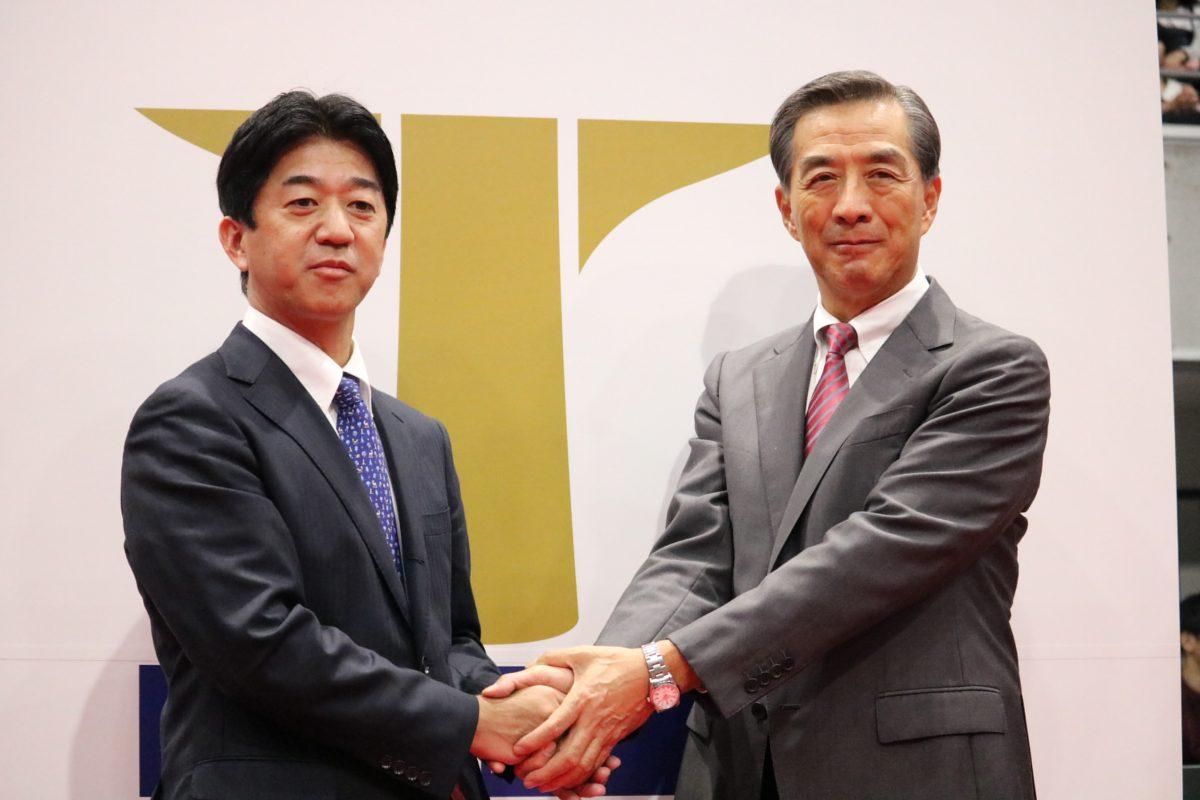 松下浩二チェアマン(左)と株式会社ノジマ・ 野島廣司社長