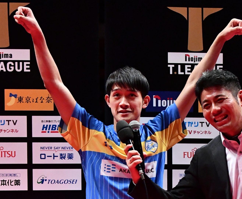 【卓球・Tリーグ】最後はやっぱり吉村和弘! ノンストップの快進撃で張本にV<12/27 岡山 vs KM東京>