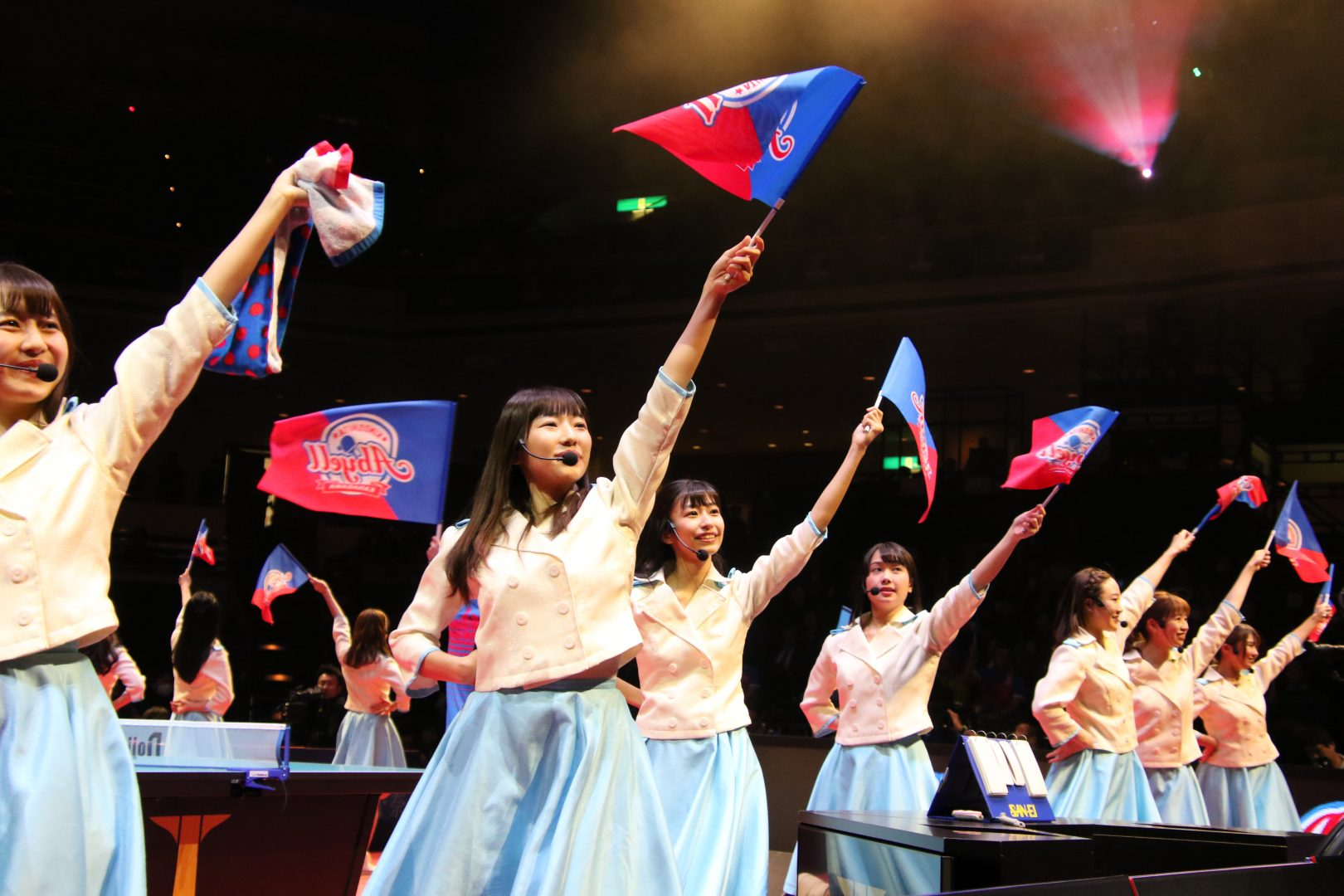【卓球】女子大生アイドル「カレッジ・コスモス」 Tリーグファイナルをデビュー曲で応援