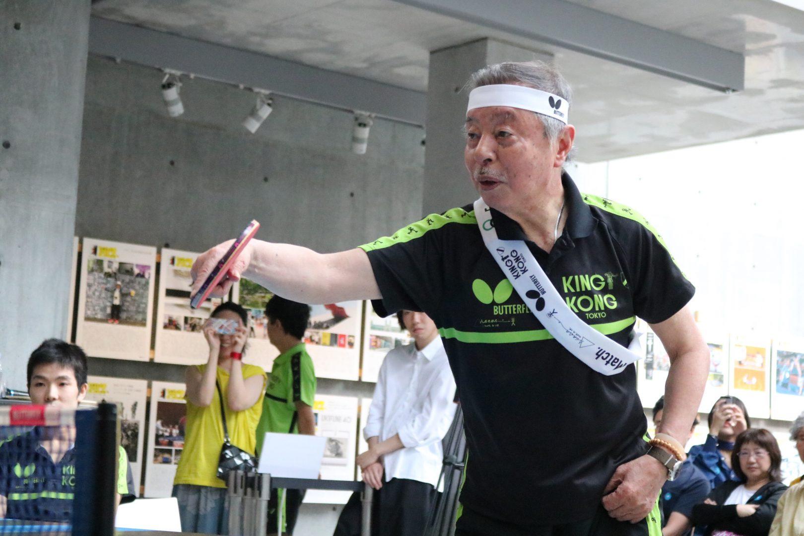 """【卓球】""""ひとりピンポン外交官""""浅葉克己氏が仕掛けた「卓球×アート」の祭典に行ってみた"""