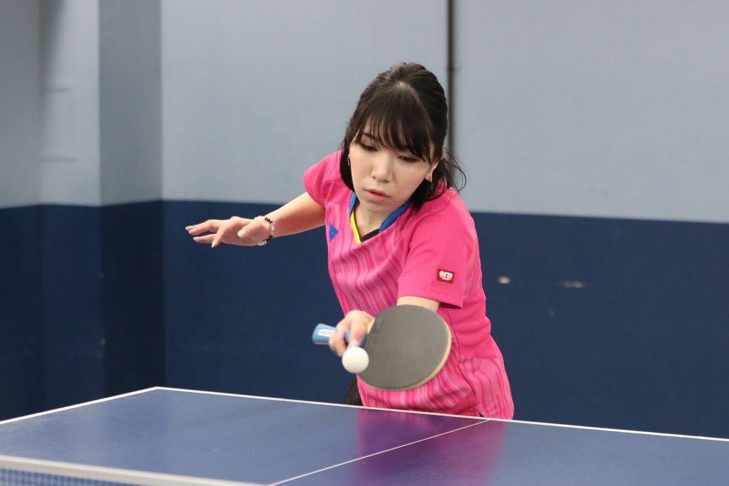 若宮三紗子さんのVJ>07リンバー試打の様子