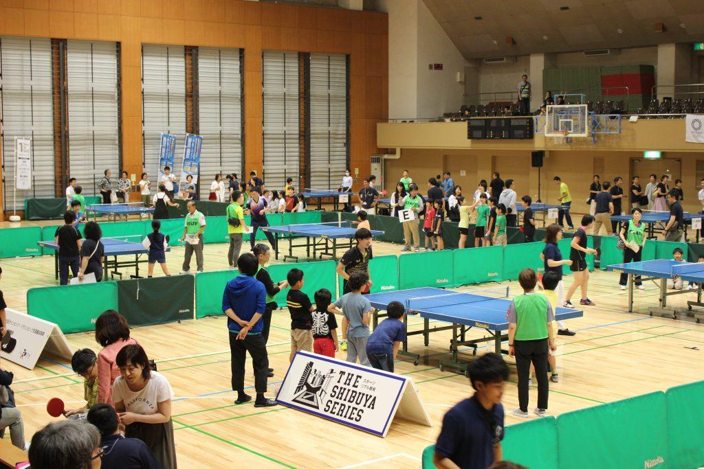 写真:卓球体験会の様子/撮影:ラリーズ編集部