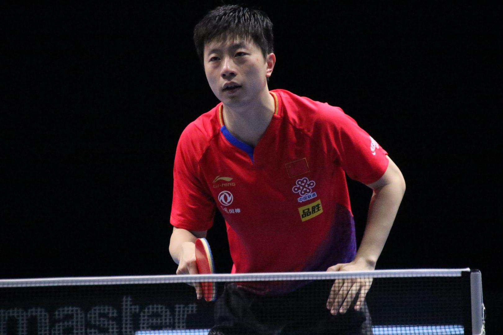 世界卓球王者・馬龍、利き手でない左手で強烈スマッシュ