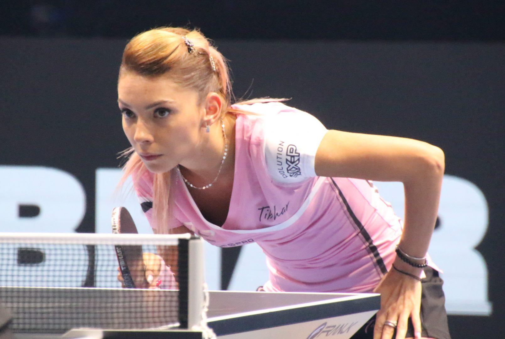 """美女卓球選手・スッチ、ピンク色ラバーを初お披露目 """"可愛い""""と話題に"""