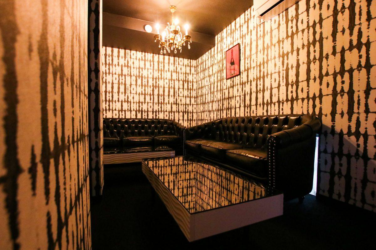 新宿歌舞伎町の卓球バー「Red T Tokyo」