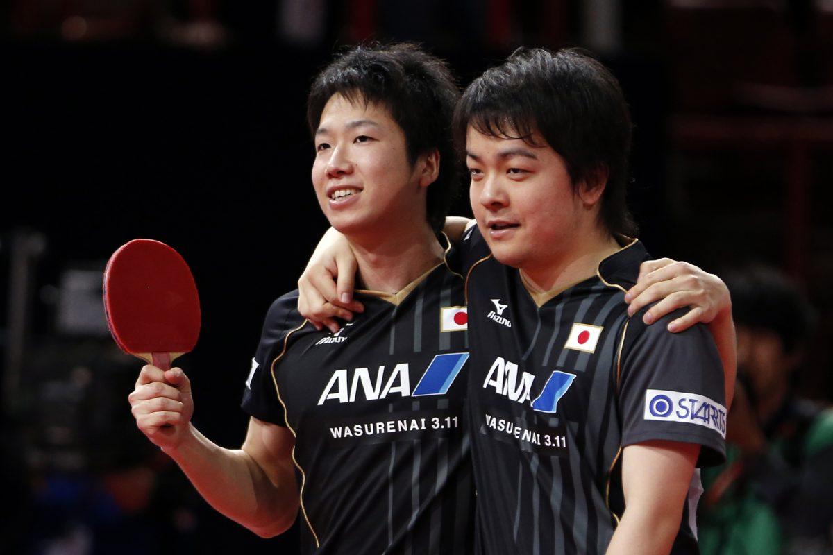 世界卓球パリ大会での水谷隼(写真左)・岸川聖也(写真右)