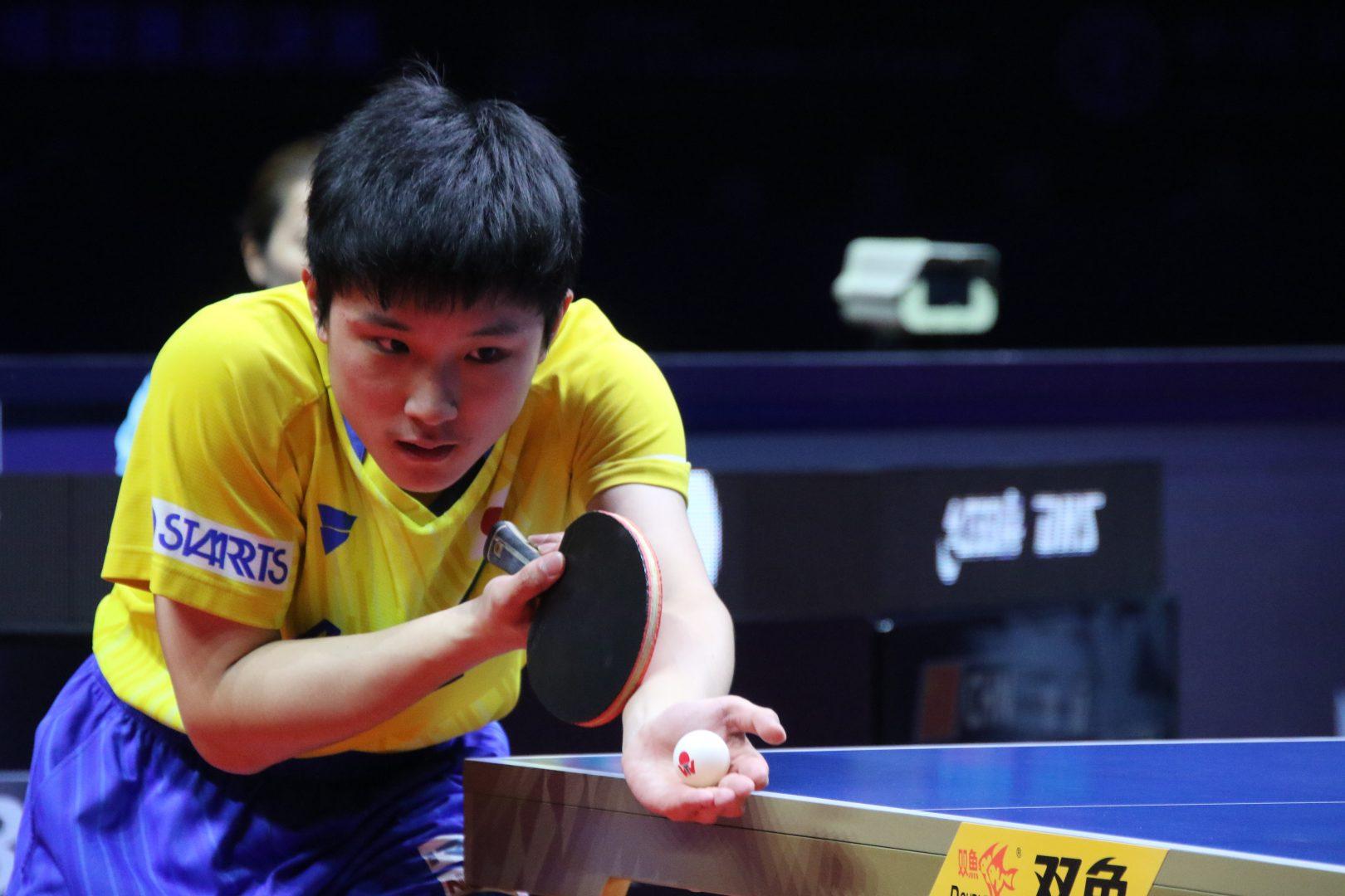 前回王者・張本、マッチポイント握るも世界ランク1位・許昕に惜敗<卓球・グランドファイナル>
