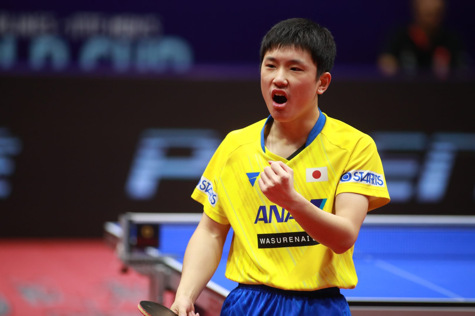 張本智和、世界ランク1位に敗れるも価値ある銀メダル<卓球・男子ワールドカップ>