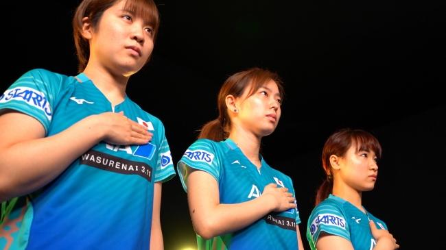 (左から)平野美宇、石川佳純、伊藤美誠