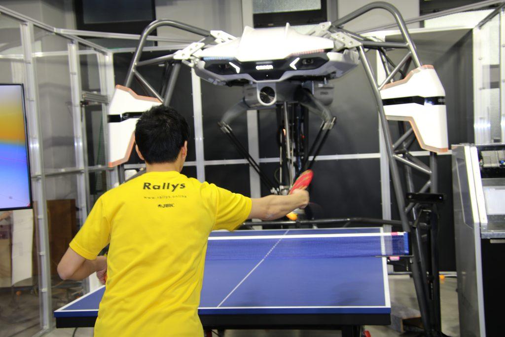 AI卓球ロボのフォルフェウス オムロンとスクウェア・エニックスによる共同研究が発表