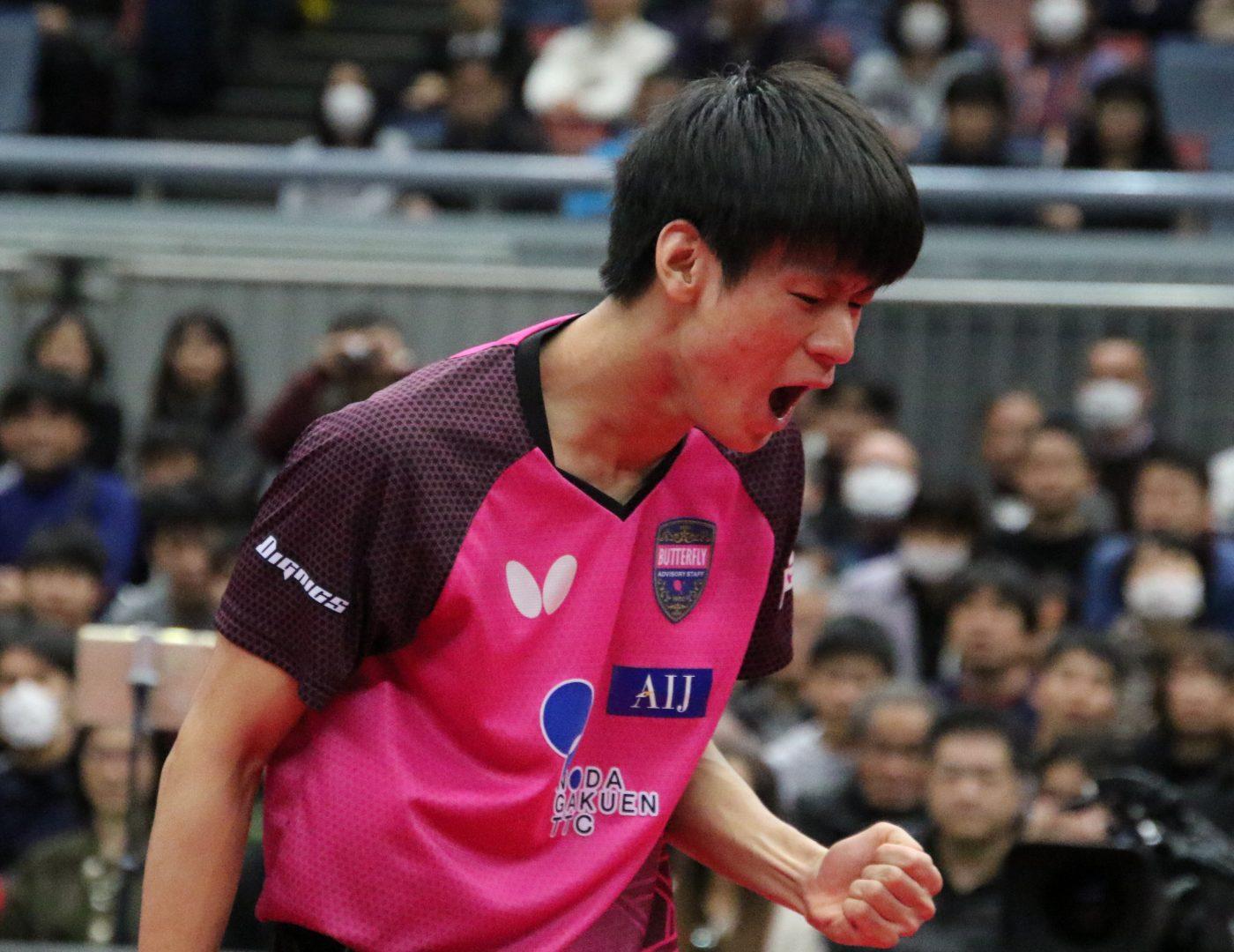 18歳・戸上隼輔「リードして心の隙ができた」 張本追い詰めるも惜敗<全日本卓球2020>