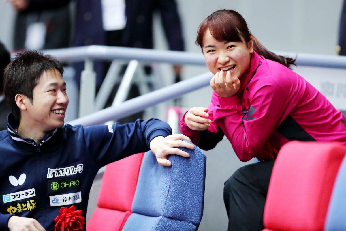 写真:全日本2020の開会式で笑顔を見せる水谷・伊藤ペア/撮影:西村尚己/アフロスポーツ