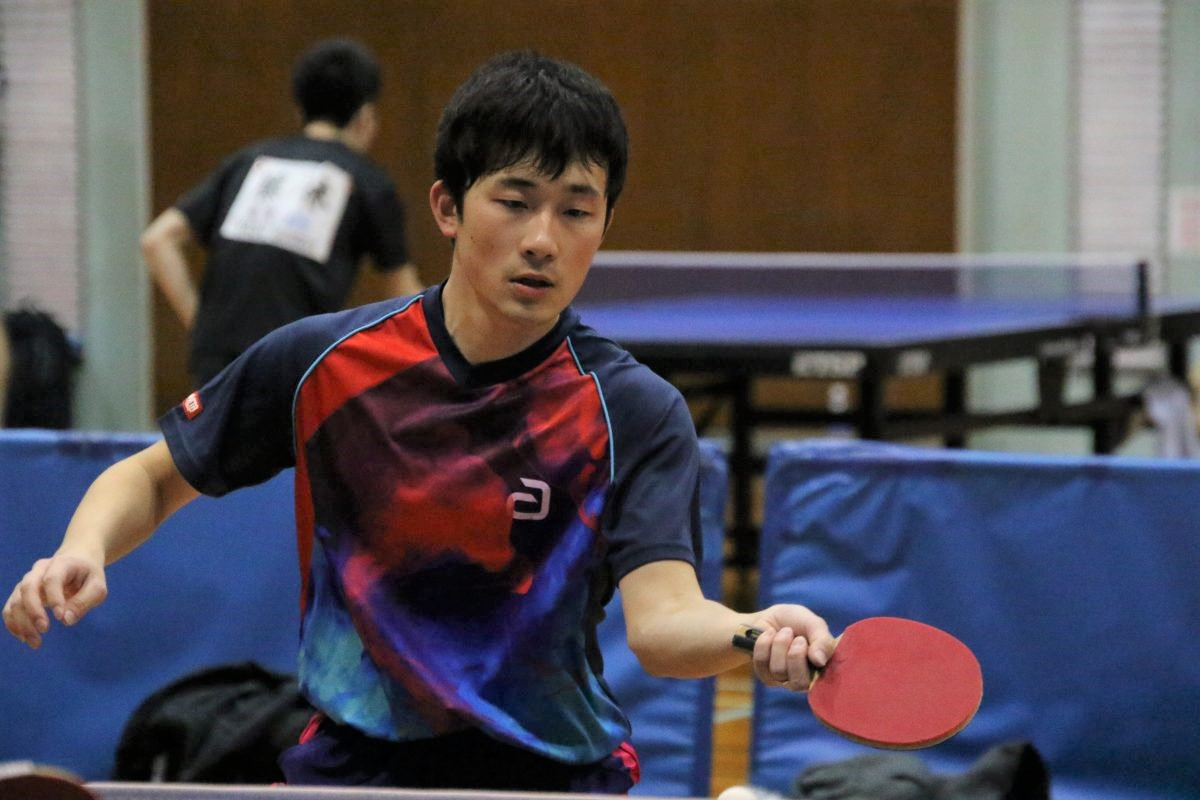 写真:「緑橋卓球場」の渋谷さん