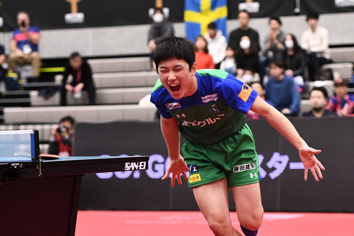 エース・張本が2勝 KM東京が首位守る<卓球Tリーグ・結果速報>