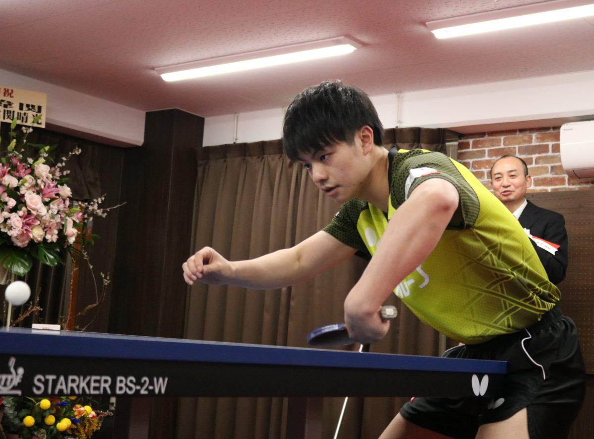 宇田幸矢、親孝行のチキータ披露 卓球場開店&全日本Vのダブル祝い