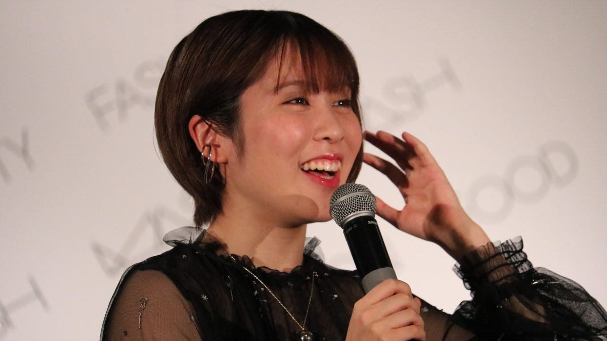 """平野美宇、NMB48からの""""自撮り繋ぎ""""で本紹介 著書登場に水谷隼「不意打ちでワロタ」"""
