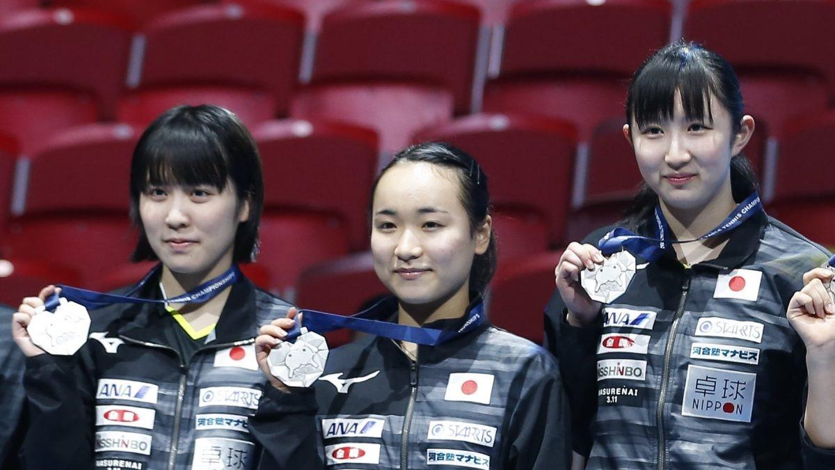 写真:左から平野美宇、伊藤美誠、早田ひな(2018年世界卓球時)/提供:新華社/アフロ