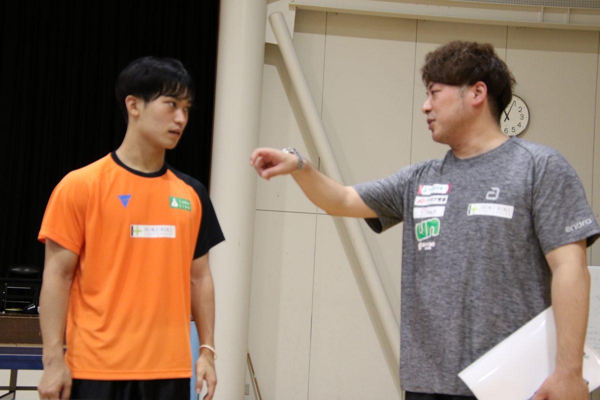 北陸大学卓球部、木村信太監督、中陳辰郎選手