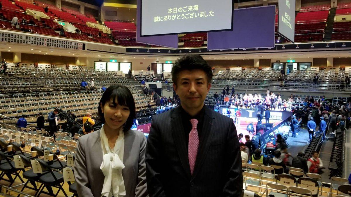 山﨑雄樹アナウンサー(右)と若宮三紗子さん