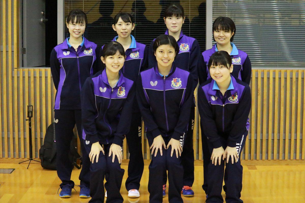 写真:女子1部優勝の愛工大/提供:東海学生卓球連盟
