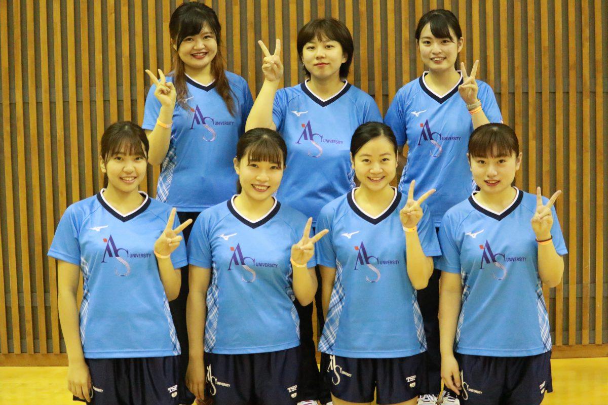 写真:女子2部優勝の愛知淑徳大学/提供:東海学生卓球連盟