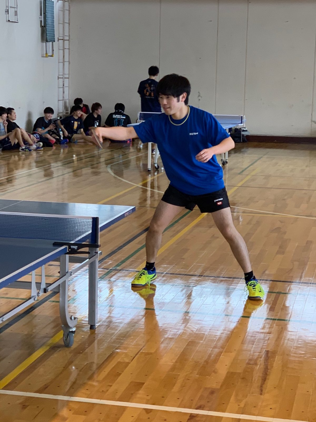 写真:コーチとして指導に当たる三和拓蒼氏/提供:札幌大学