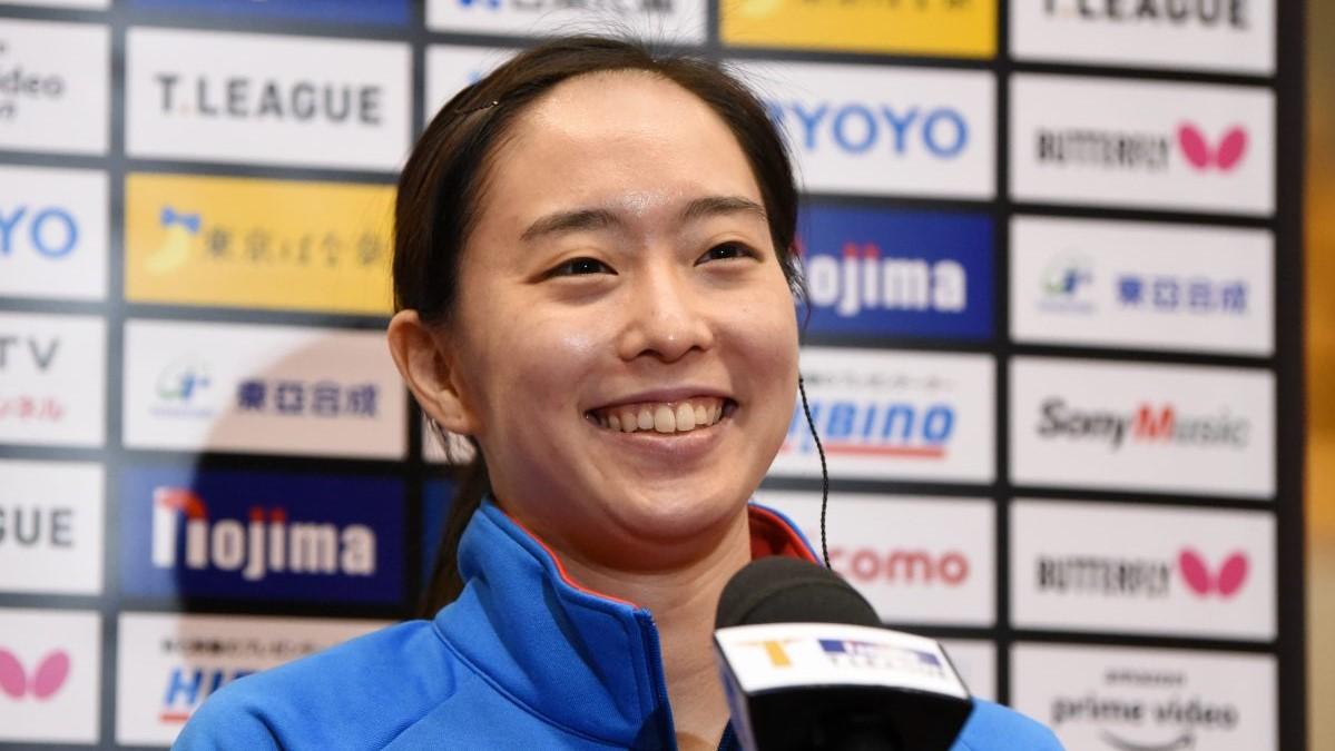 """石川佳純、""""可愛すぎる""""笑顔でTリーグをPR「是非チェックしてみて」"""