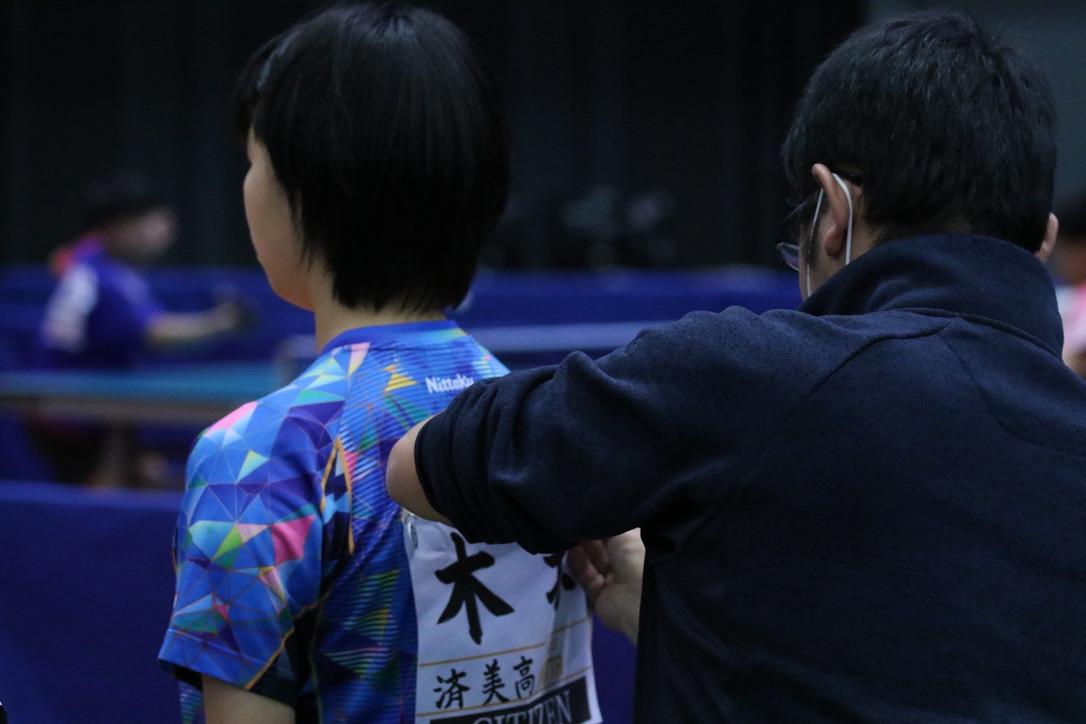 木塚健一氏(写真左)と木塚陽菜(済美高校)