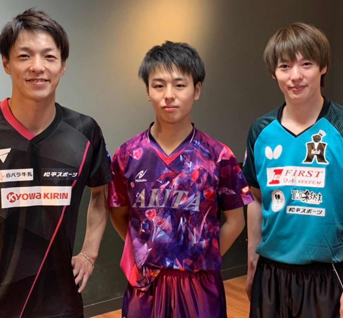 左から松平賢二、米田裕哉(秋田高)、松平健太