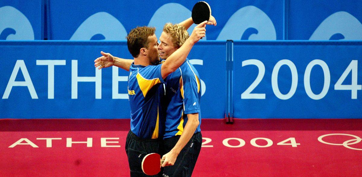 2004年アテネ五輪にて抱き合うワルドナー(左)とパーソン(右)