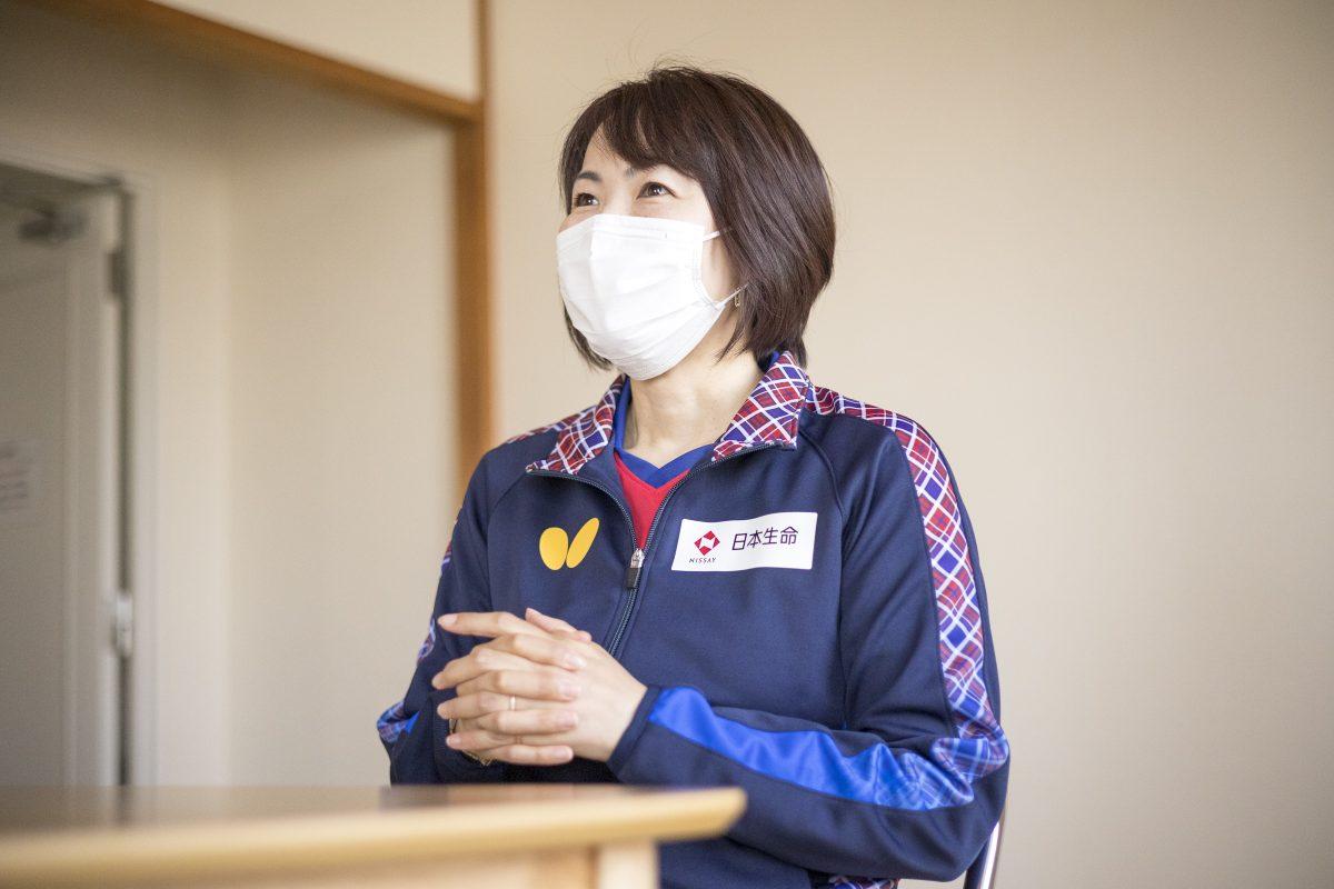 写真:岸田聡子監督(日本生命レッドエルフ)/撮影:槌谷昭人
