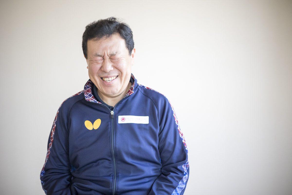 写真:皆川顕一コーチ(ジュニアアシスト卓球アカデミー/貝塚第二中)/撮影:槌谷昭人