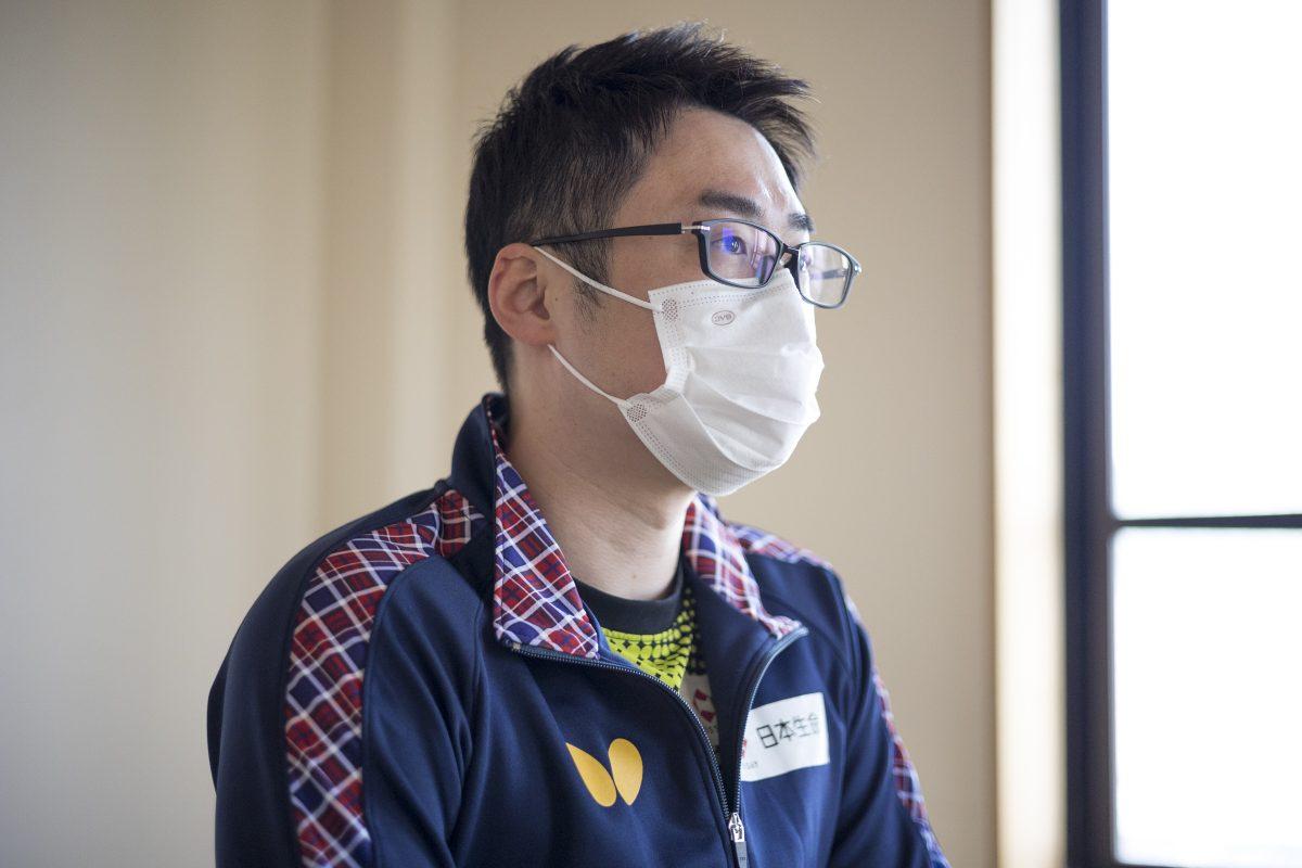 写真:唐興賀コーチ(日本生命レッドエルフ)/撮影:槌谷昭人