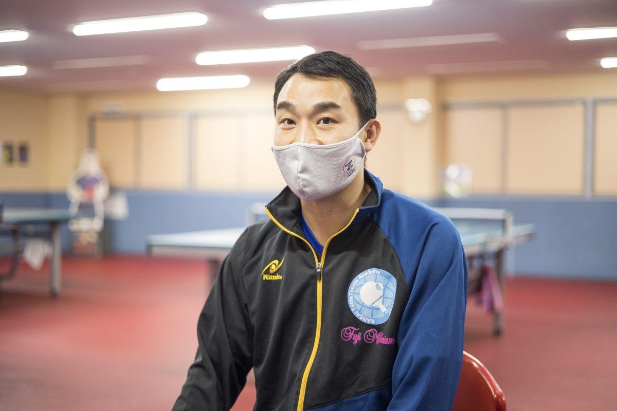 写真:王子コーチ(関西卓球アカデミー)/撮影:槌谷昭人