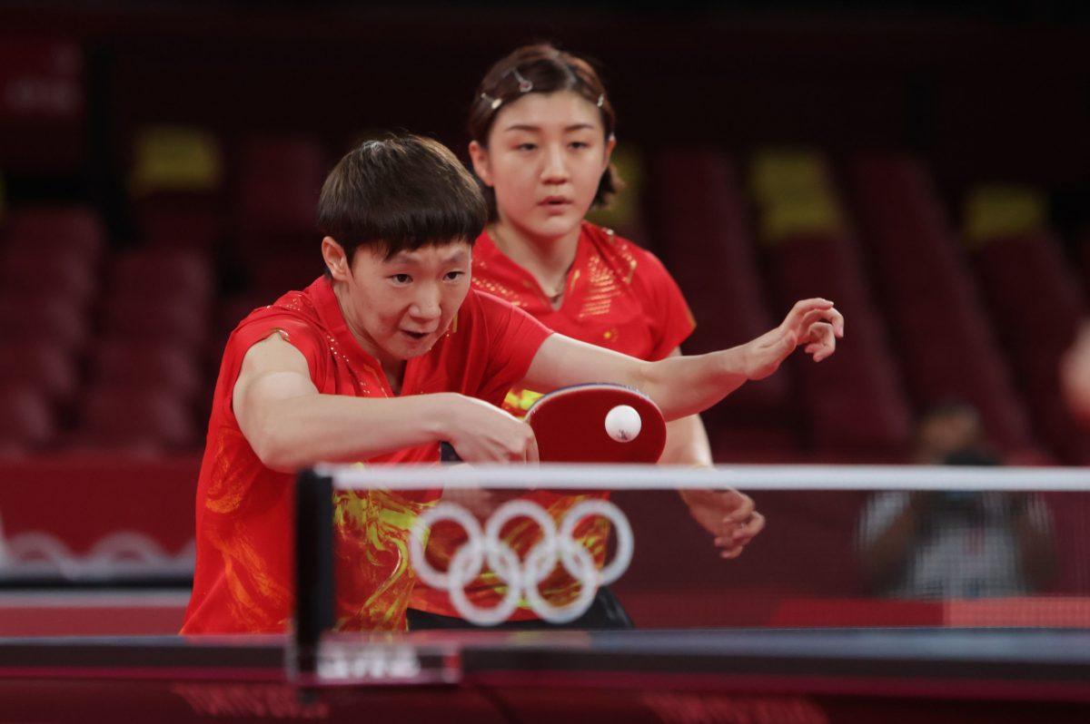 写真:陳夢・王曼昱ペア(中国)/提供:ITTF