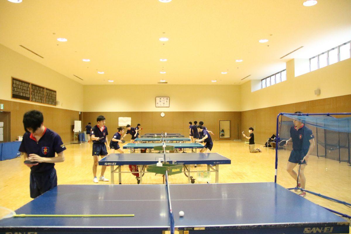 写真:慶應義塾大学卓球部の練習風景/撮影:ラリーズ編集部