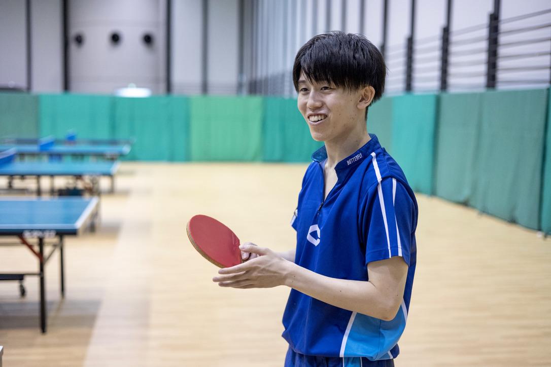 吉田俊暢選手(中央大学卓球部)