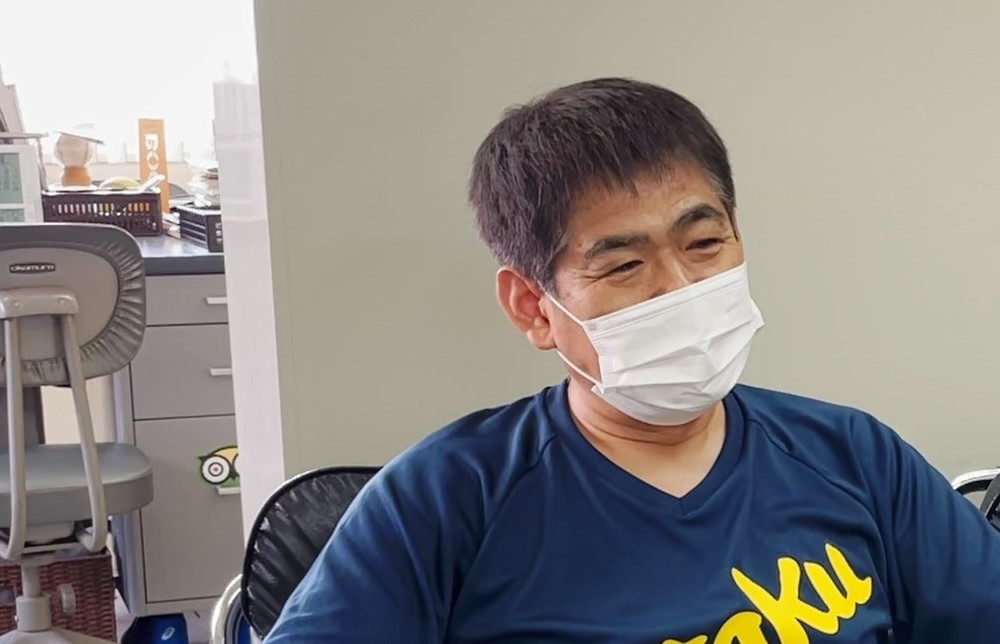 写真:柏幸浩監督(関西高校)/撮影:ラリーズ編集部